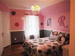Pretty In Pink Pink And Gray Girls Bedroom Wood Circles