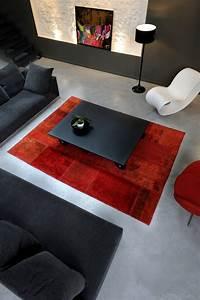 Comment bien choisir votre tapis deco de salon for Tapis rouge avec canapé 145 cm