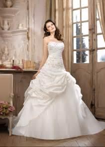 robe invitã de mariage comment prendre soin de sa robe de mariée