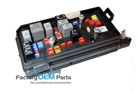 Buick Lucerne Fuse Box by 09 10 11 Cadillac Dts Buick Lucerne Engine Compartment