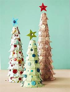 Weihnachtsbaum Deko Basteln : lustige deko f r weihnachten aus preiswerten materialien ~ Lizthompson.info Haus und Dekorationen