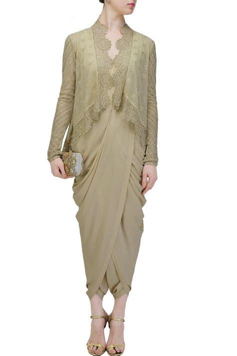 Selain jadi bawahan, batik juga sering diaplikasi sebagai dress dalam acara pernikahan. 120 best Kondangan Hijab Outfit images on Pinterest ...