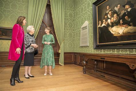 start van het themajaar rembrandt en de gouden eeuw