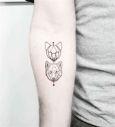 tattoo wolf  de idei inspirationale pentru barbati