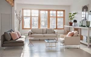Kleines Wohnzimmer Einrichten Ikea : gro es wohnzimmer einrichten fensterfront sideboar ~ Frokenaadalensverden.com Haus und Dekorationen
