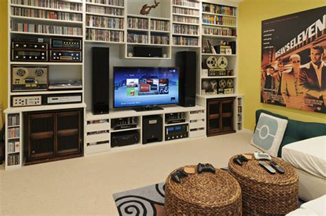 25 Incredible Video Gaming Room Designs Small Modern Living Room Ideas With Tv Paint Color Gray Floor Pillow Pictures Of Rooms Brown Sofas Design According To Vastu And Turquoise Tiles In Wall Purple Cream Curtains