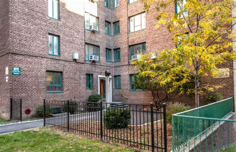 parkchester  bronx working  planned   york times