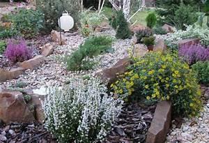 faire une rocaille en pente obasinccom With decorer son jardin avec des galets 1 1001 idees et conseils pour amenager une rocaille fleurie