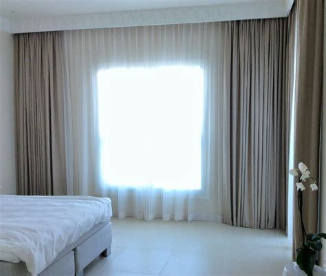 curtain and blinds to match decorate the house with