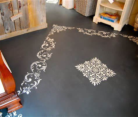 using sloan chalk paint on floors driven by decor