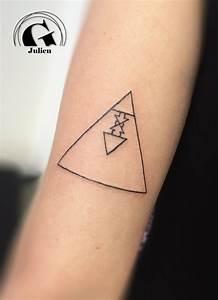 Idée De Tatouage Femme : tatouage symboles graphicaderme ~ Melissatoandfro.com Idées de Décoration