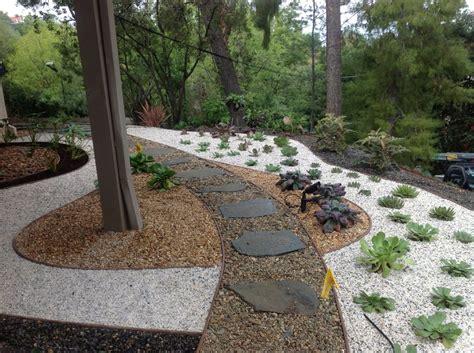 desert landscaping ideas california pea gravel