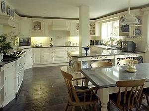 Küche Arbeitsplatte Granit : granit arbeitsplatten granit arbeitsplatten als wahre hingucker ~ Markanthonyermac.com Haus und Dekorationen
