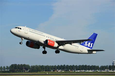 SAS Scandinavian Airlines akcija uz Eiropu, ASV un Āziju. Lētas aviobiļetes SAS.   Passenger jet ...