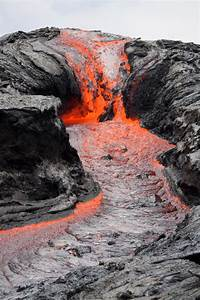 Video  Scientists Film Fast New Hawaii Lava Flow From Ground