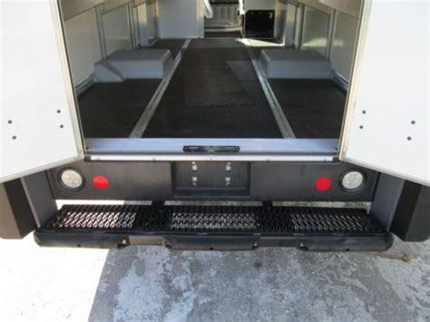 purchase  isuzu npr reach utilimaster diesel step