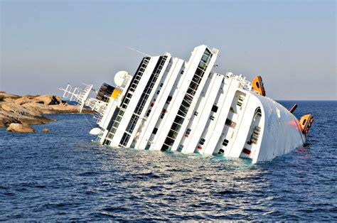 The Luxury Cruise Ship Costa Concordia Sinking....