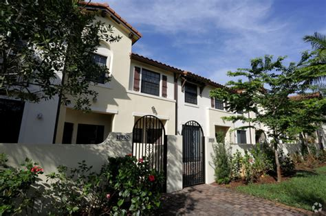 venetian gardens at country club of miami rentals
