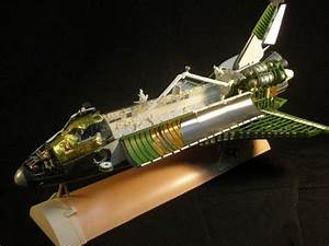 Beautiful Space Shuttle Cutaway Model! | The Old Gray Cat