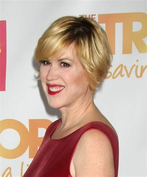 Molly Ringwald Short Straight Casual Hairstyle with Side