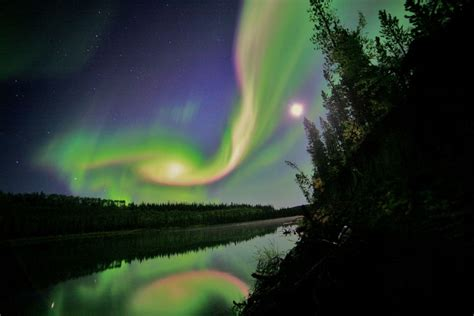 Picture Of The Day Aurora Over Whitehorse Twistedsifter