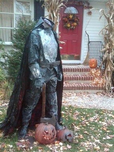 scary outdoor halloween decor ideas shelterness