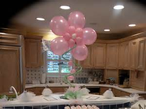Image of: Balloon Centerpiece Idea Party Favor Idea 2 Ultimate Unique Bridal Shower Décor Based On Specific Concept