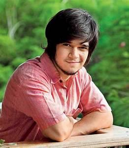 Naseeruddin on son Vivaan and Akshara Haasan - Entertainment