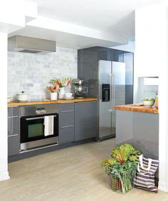 pictures of grey kitchen cabinets 1000 images about apartment rennovation on 7458