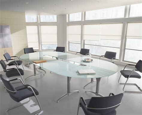 chaise salle de réunion grande table de reunion maison design modanes com