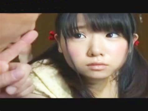 Padre Japones Viola A Su Hija En El Suelo De La Casa