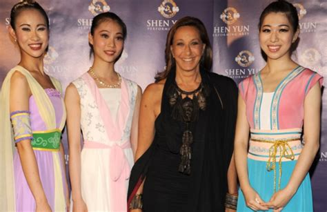 shen yun draws fashionable set opening night wwd