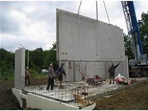 des maisons en beton gros plan sur la structure du mur With maison en beton coule