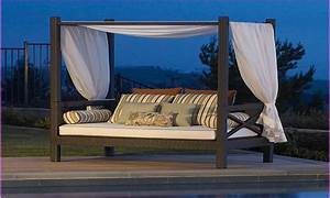 Outdoor Daybed With Canopy Costco