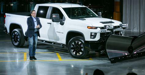 2020 Chevrolet Hd Gas Engine by General Motors Gm Reveals 2020 Chevy Silverado 2500hd