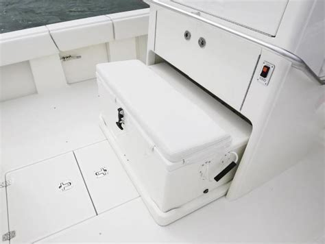 center console  details seavee boats