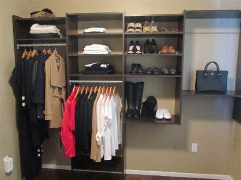 Closet Minimalist by To Go Tracey S Minimalist Wardrobe