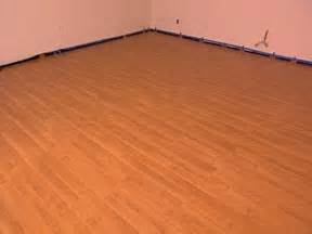how to install snap together laminate wood flooring ehow apps directories