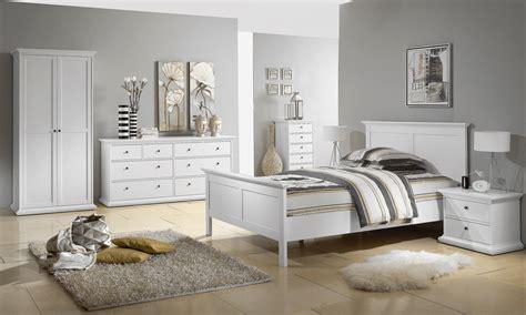 schlafzimmer dekorieren schlafzimmer kommode dekorieren schlafzimmerm 246 bel deko