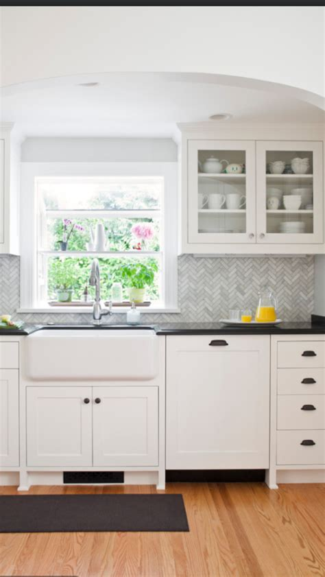 remodelaholic real life rooms easy budget friendly ways  update  kitchen