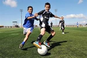 Image Gallery ninos jugando futbol