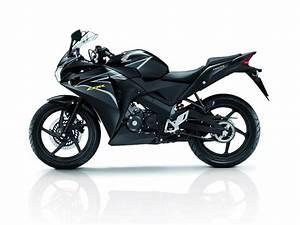 Honda Cbr150r Side View  U0026 39 Black U0026 39