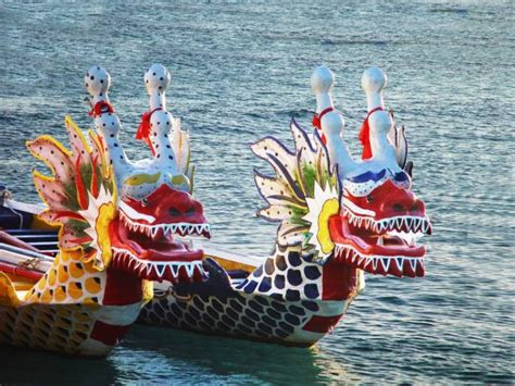 Dragon Boat Racing Ta by Inspire Pattaya Dragon Boat Festival In Thailand