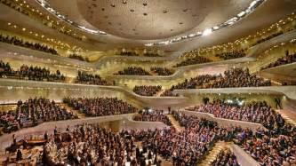 sofa garten elbphilharmonie eröffnung nein danke ndr de kultur elbphilharmonie