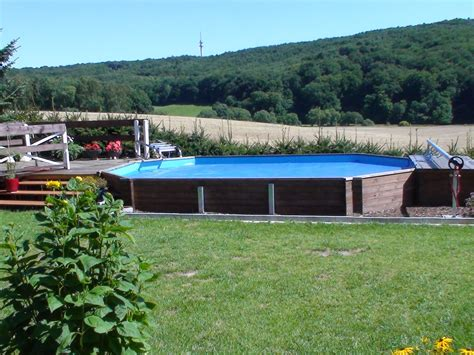 Swimmingpool Im Garten by Holz Swimmingpool Holzpool Pool Im Garten Vom Fachh 228 Ndler