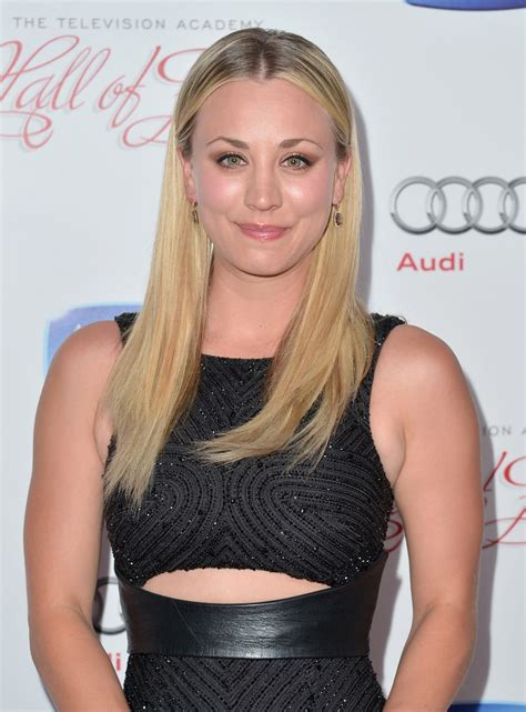 kaley cuoco  annual hall  fame induction gala