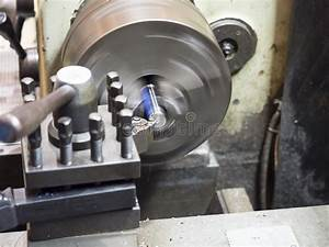 Manual Milling Machine With Auto Drilling Feed And Auto