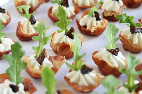 showfood chef appetizer prosciutto cups with goat cheese