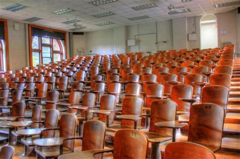 lectures suspended  tompi seleka agricultural college