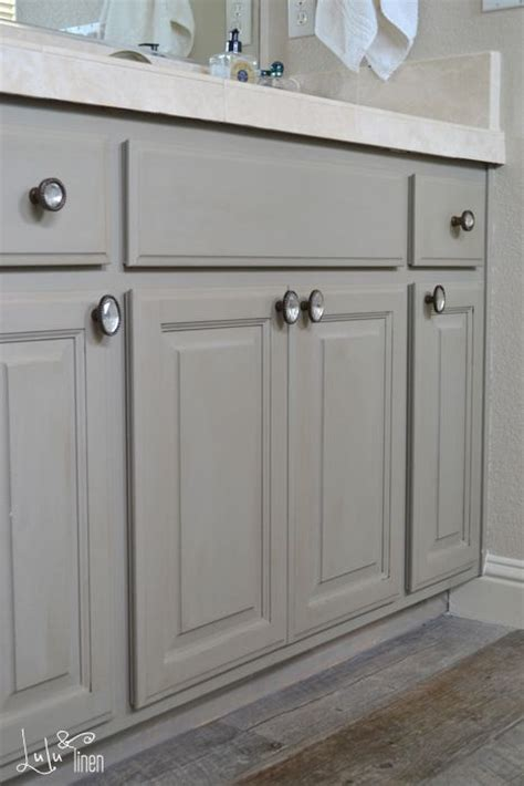 Chalk Paint Colors For Cabinets by Best 25 Chalk Paint Cabinets Ideas On Chalk
